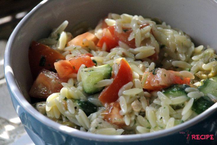 Préparation: 5 min. Temps de cuisson: 8 minutes. Portions: Un bon bol. Ingrédients 1/2 tasse d'orzo sec 2 c. à soupe de pesto avo...