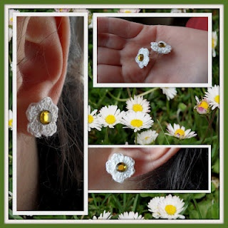 Small daisy crochet.  Nel blog di Scarabocchio.  http://scarabocchiochescarabocchia.blogspot.it/2012/04/grazie-dei-fior.html