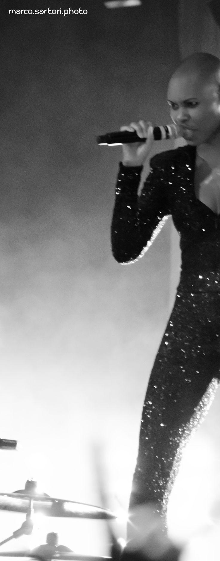 Skunk Anansie live @ Ferrara Italy #skunkanansie #skin #b&w #black&white #ferrara