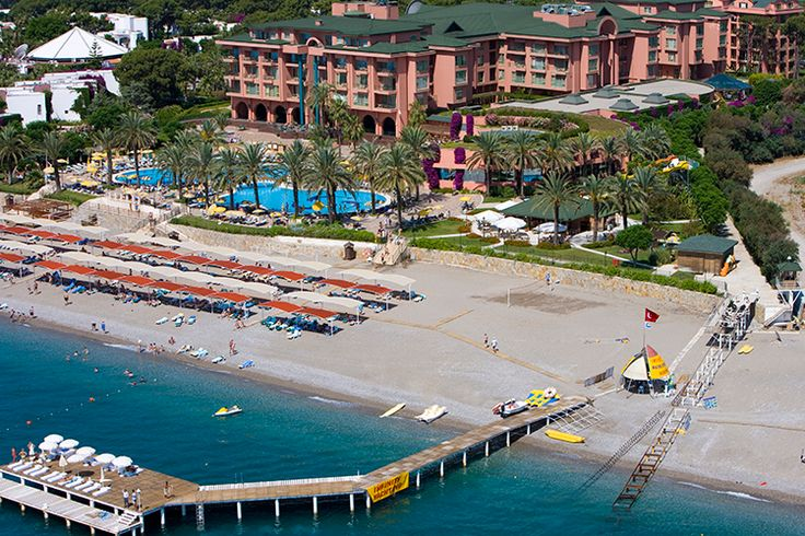 Fantasia Hotel De Luxe  Berrak Kemer sularının keyfini ister tesisin özel iskelesinde yaşayın, ister deniz manzarası sunan yeşillikler arasındaki havuzda! http://bit.ly/RyHn6o #etstur #KeskeTatilOlsa #tatil #holiday #travel