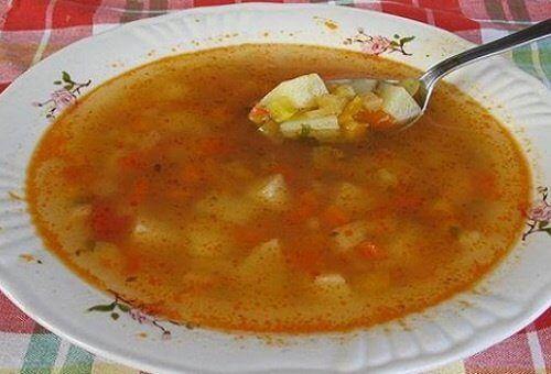 Pyszna zupa warzywna na spalanie tłuszczu