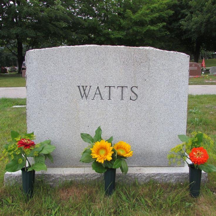 25+ Unique Cemetery Flowers Ideas On Pinterest