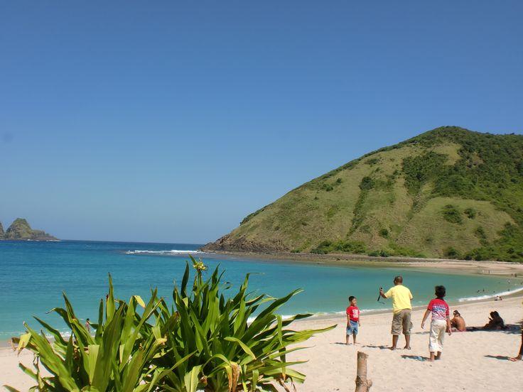 Pantai Mawun, Pujut, Lombok Tengah, Nikmati Suasana yang menawan