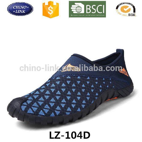 Good quality men sport water walking shoe breathable mesh material outdoor beach aqua shoes