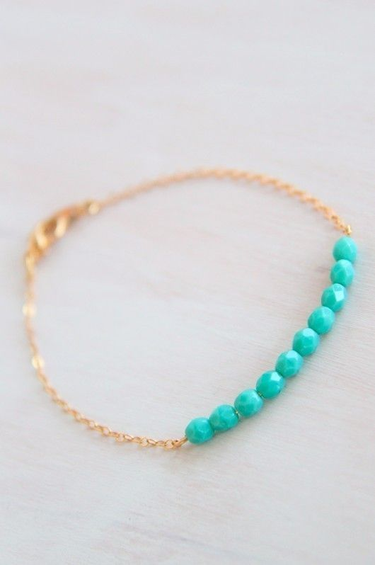 diy inspiration - simple crystal and gold chain bracelet. I must make this!