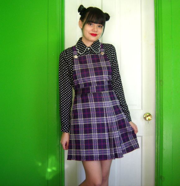 DIY pinafore- really like this tutorial by Marlena from Rookie/self constructed freak