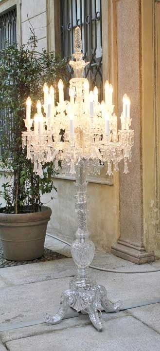 Oh my LOVE!!! Chandelier Lamp