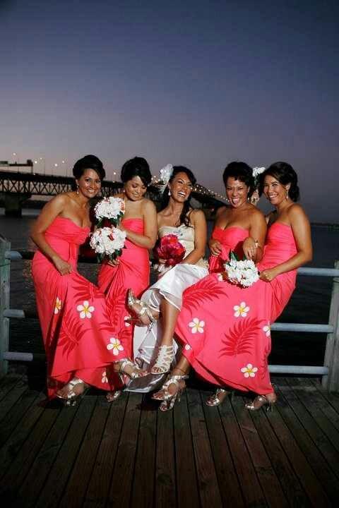 bridesmaid's dresses matches bride's bouquet   Samoan ...  bridesmaid'...