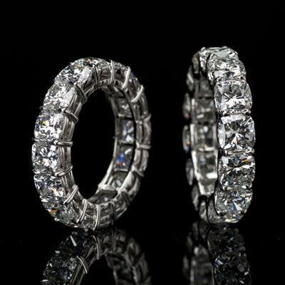 Lili Jewelry cushion-cut diamond eternity band