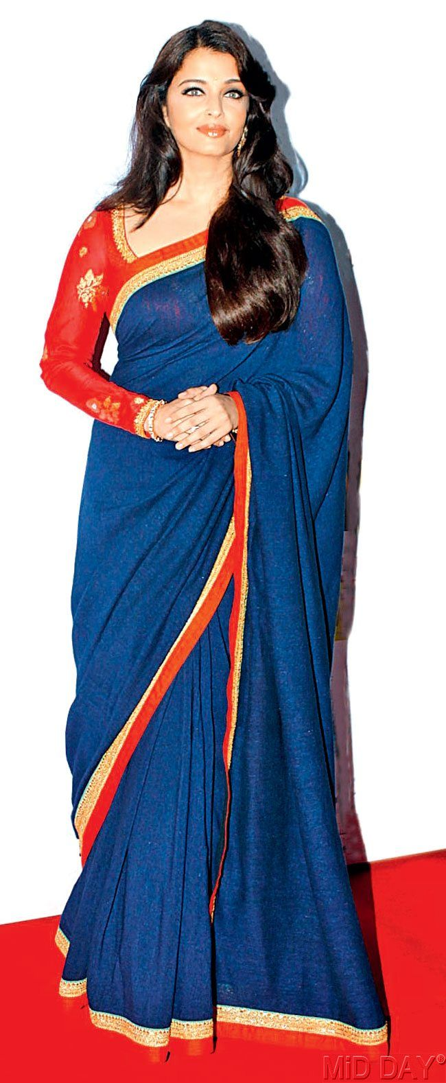 Aishwarya Rai Bachchan at the opening ceremony of the 16th Mumbai Film Festival. #Bollywood #Fashion #Style #Beauty