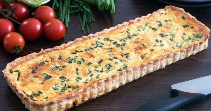 Μαγικό  παραδοσιακό Quiche Lorraine της γαλλική κουζίνας