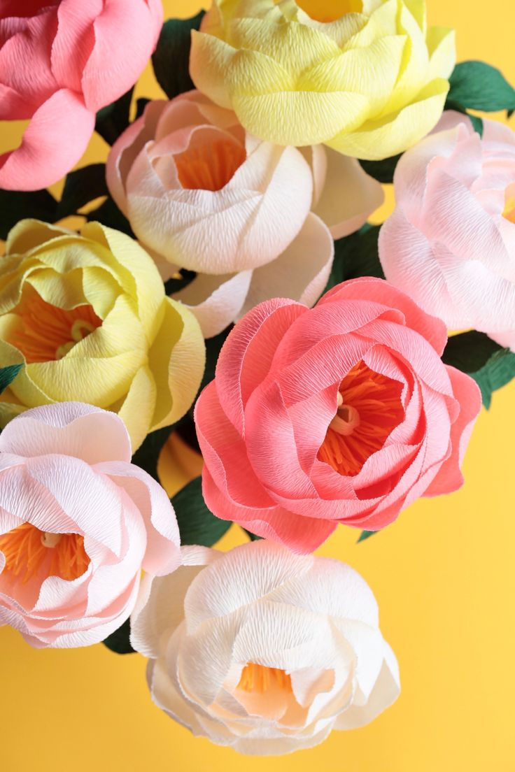 Paper Peony DIY tutorial by Papetal - how to make crepe paper flowers