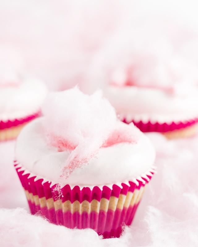 Cupcakes de Algodón de Azúcar: Cupcakes Adorable, Cotton Candy Cupcakes, Cupcakes Yumm, Cotton Cupcakes, Cupcakes Lovers, Food, Yummy Cupcakes, Pink Cupcakes, Cottoncandi Cupcakes