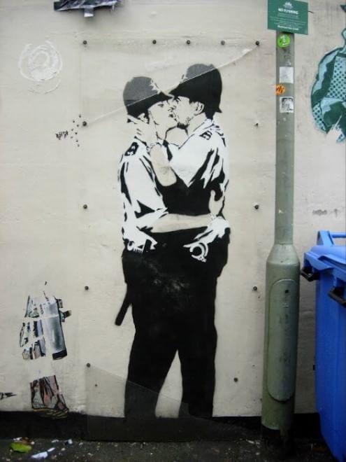 San Valentino, l'arte del bacio: omaggio di Google all'amore