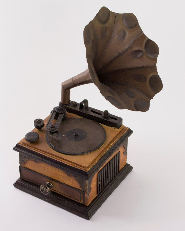 3D chipboard project, Old-Fashioned Phonograph_DSC0130