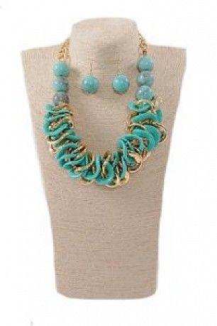 accesorii set colier cercei turcoaz http://accesorii.fashion69.ro/set-colier-cercei-turcoaz/p65819