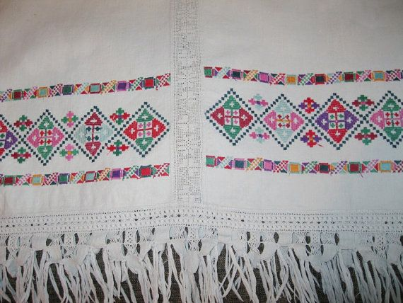 Antique Romanian Hungarian hand embroidered van RealRomania op Etsy