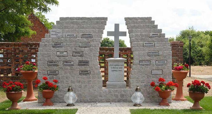 Ks. bp Marek Mendyk poświęcił w Krzelowie Miejsce Pamięci Przodków Naszych. Więcej na stronie: http://winsko.eu/biskup-poswiecil-miejsce-pamieci-przodkow-naszych/.  #Krzelow #gminaWinsko