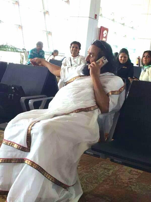 Gurudev @SriSri on #Delhi Airport | #Divine