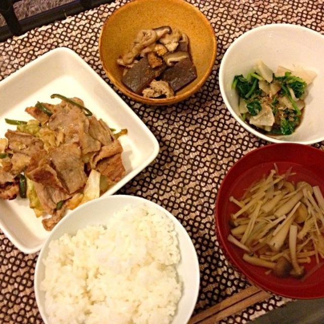 豚肉とキャベツ、ピーマンの味噌炒め、大根とほうれん草のおひたし、油揚げとこんにゃくの煮物、キノコのすまし汁。 - 2件のもぐもぐ - 豚肉とキャベツ、ピーマンの味噌炒め by megamix