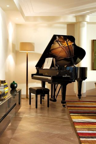 The Monforte Presidential Suite is the utmost in luxury, with a grand piano and living room. Rocco Forte The Charles Hotel (Munich, Germany) - Jetsetter