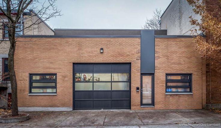 Transformation d'un entrepôt en loft résidentiel à Montréal / Façade avant