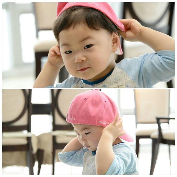 (1년전 쯤...?)엄마 모자 쓰고... 새초롬 만세! 오늘은 여기까지~^^; #송만세 #songmanseh