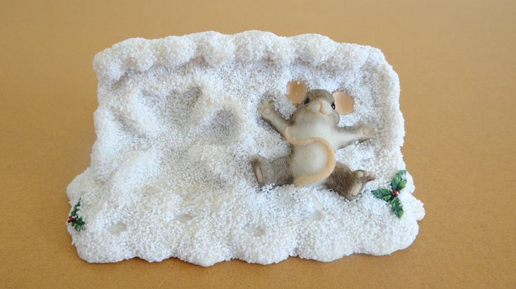 Fitz & Floyd Charming Tails Maxine Making Snow Angels Figurine in Box by LilBatsInTheAttic on Etsy