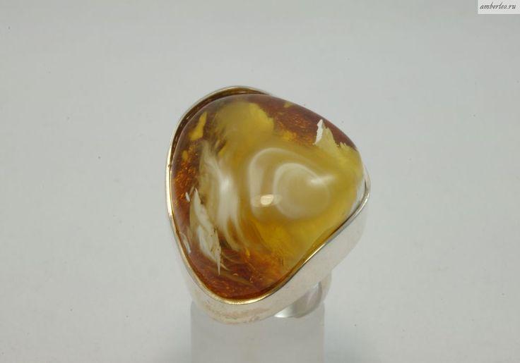 Янтарное кольцо КО081