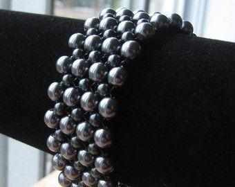 Braided grey glass pearls bracelet