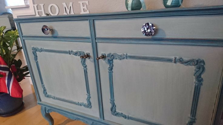I love this jobb,  my faworit colour Duck Egg blue Annie Sloan whit white wax.