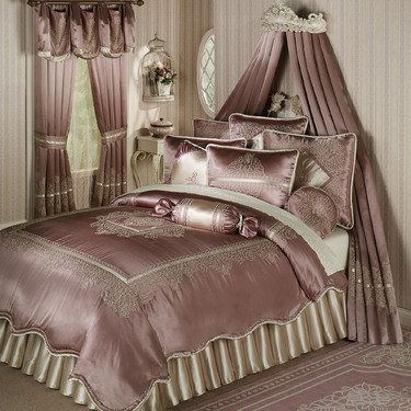 This would be another option for a master bedroom, or a guest room.
