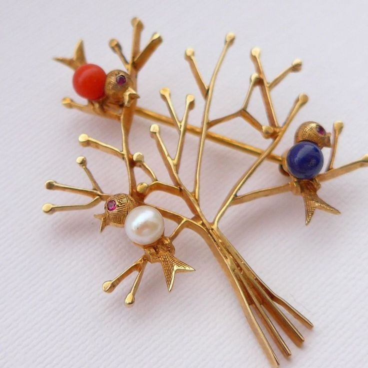 Vintage Tree Brooch set with Birds I just ADORE this brooch it is really well made and set with real gemstones Beautifully designed this little solid