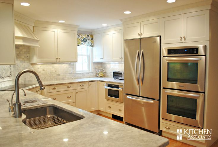 Kitchen remodel in wellesley ma brand brookhaven door for Brookhaven kitchen cabinets