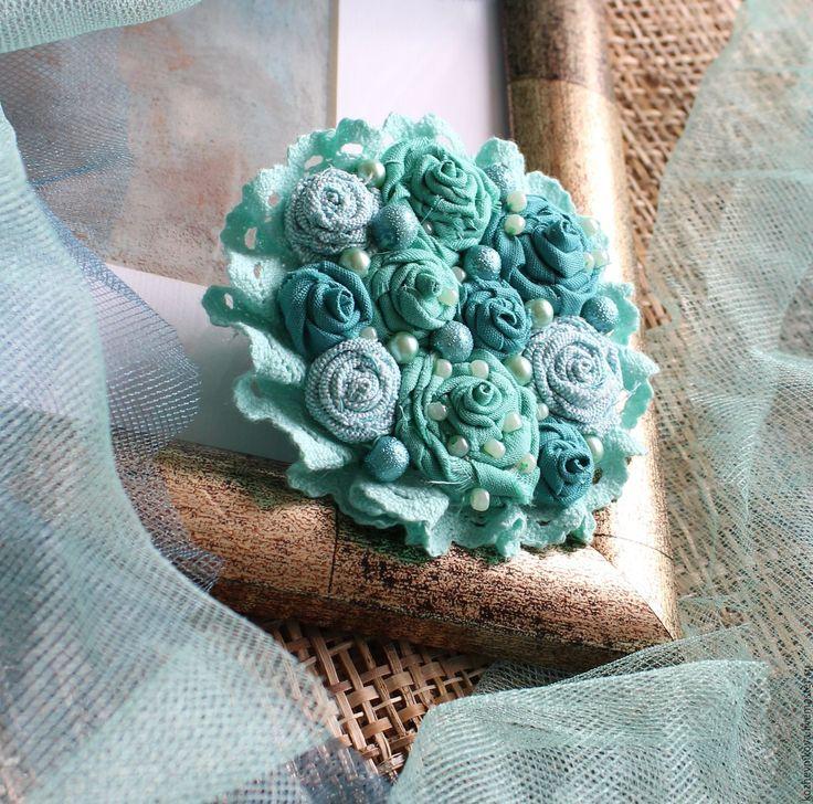 Купить Текстильная брошь Мятно-бирюзовый букет - мятно-бирюзовый, Елена Кожевникова, текстильная брошь