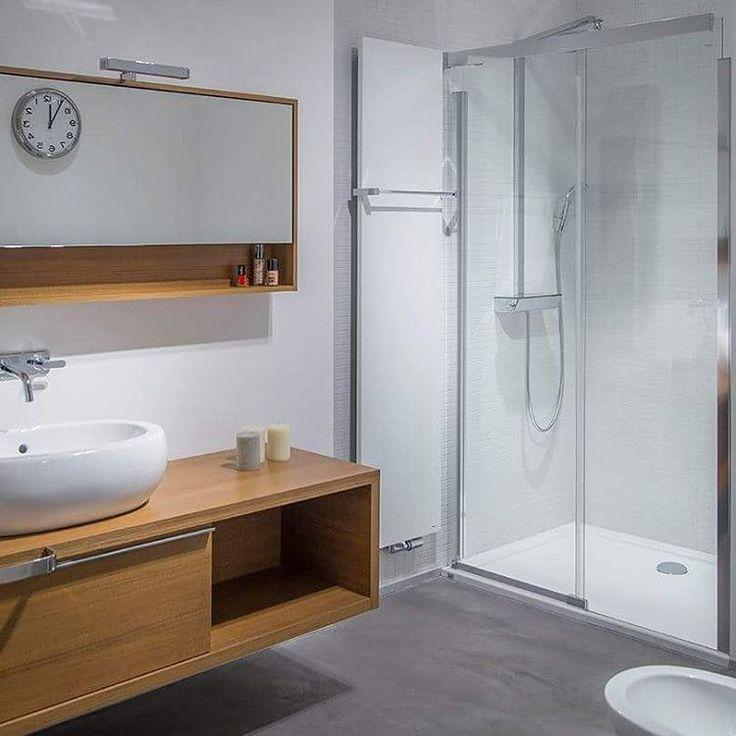 Z dedykacją dla Fanów dużych luster i jasnych kolorów #KOŁO #łazienka #inspiracje #łazienki #design #mirror #lustro #drewno #wood #umywalka #washbasin #interiors #interior #interiordesign #instaarchitecture