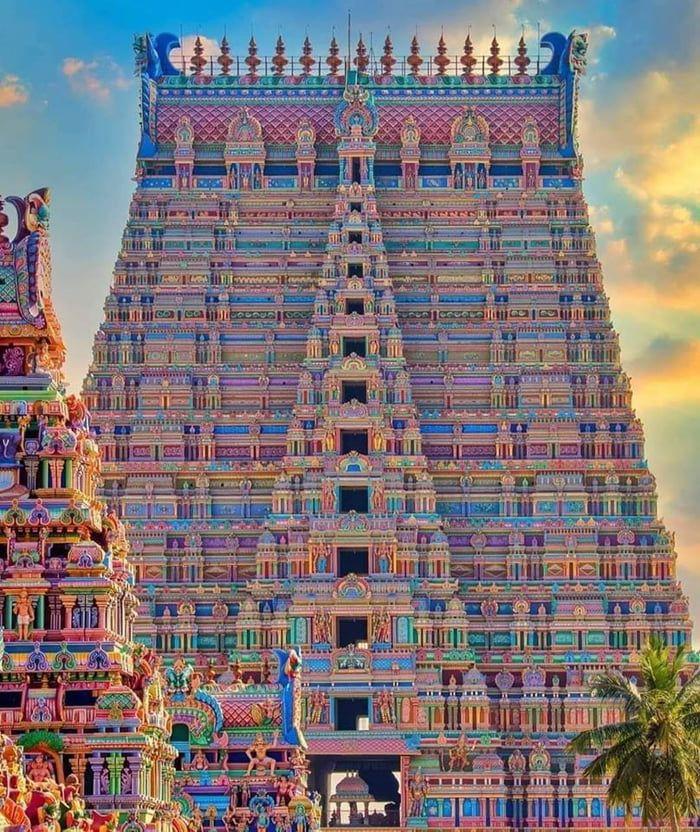 Temple in Srirangam India, Tamilnadu. | Temple india, Temple photography,  Hindu temple