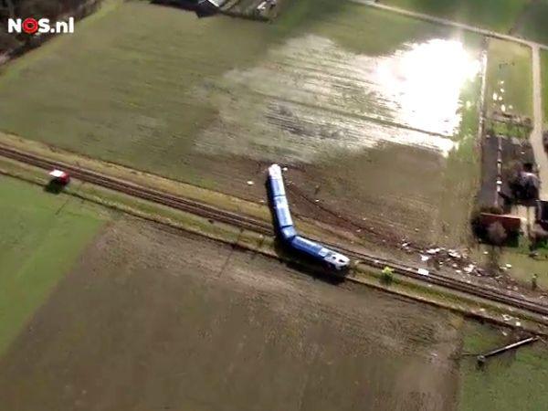 ズボーレ、鉄道とクレーン車の事故で運転手死亡