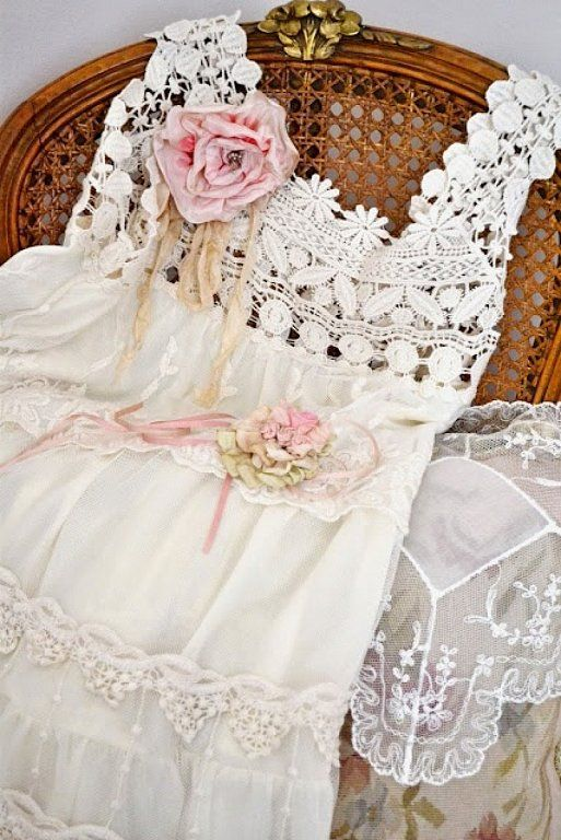 ❤ !!LACE!! ❤ THIS one is absolutely gorgeous and it would be PERFECT for my boho beach dress ❤