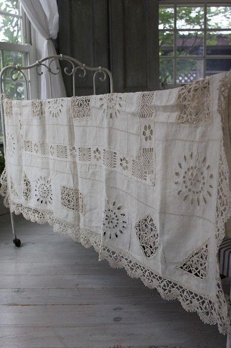 Lacy linen spread, so pretty.