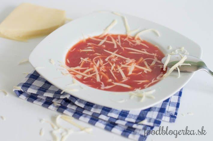 PARADAJKOVÁ POLIEVKA                 Keď sa ma niekto opýta, ktorá je moja obľúbená polievka. Neváham. Je to paradajková. Ale červená :-) Polievky vo všeobecnosti milujem, lebo sú rýchlo navarené a lahodné. Cez týždeň ich nejem, ale v…