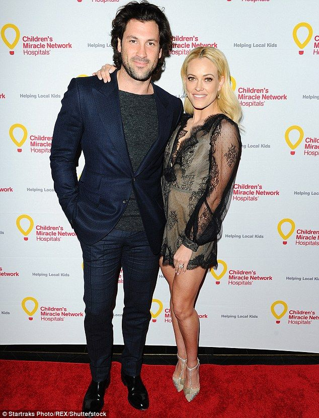 dancing with the stars peta murgatroyd dating Petra murgatroyd and maksim chmerkovskiy, both 'dancing with the stars' pros,  were rumored to be dating in may 2012 they were seen kissing in vegas that.