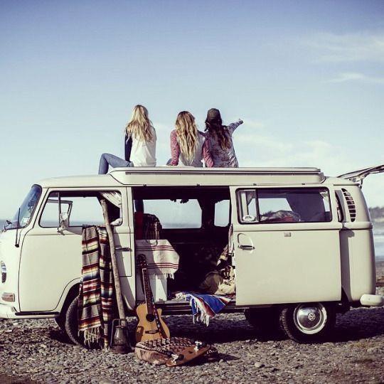 WYBIERACIE SIĘ GDZIEŚ SAMOCHODEM? SPRAWDŹCIE, JAKIE GADŻETY UMILĄ WAM PODRÓŻ! ---> http://guesswhat.pl/travel/wybieracie-sie-gdzies-samochodem-sprawdzcie-jakie-gadzety-umila-wam-podroz/