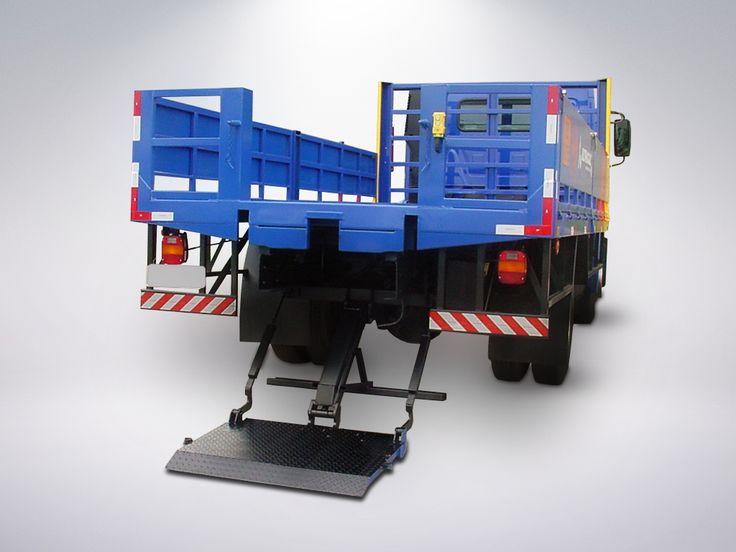MKS 500 PHL > Características Técnicas: Aplicação: Carga e descarga de cilindros de GLP, principalmente P45, sendo também largamente utilizada na mmovimentação de cilindros de gases do ar como oxigênio, nitrogênio, argônio, CO-2 e acetileno, assim como outros produtos, tais como: pequenos tambores, bombonas que acondicionam fluídos em geral, dentro das dimensões menores ou iguais a 400mm; Instalação: Na extremidade traseira do veículo, caminhões e semi-reboques com P.B.T. mínimo de 5000kg.
