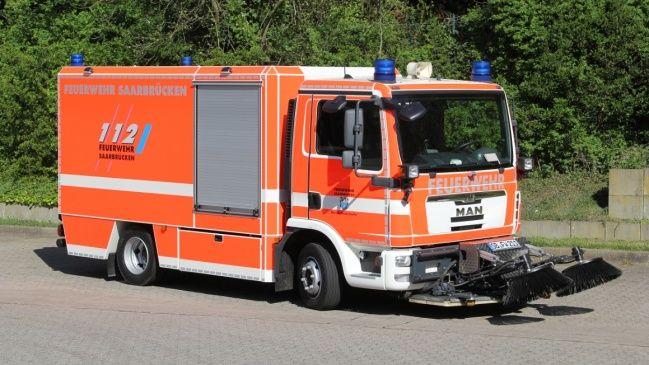Gerätewagen GW Öl der Berufsfeuerwehr Saarbrücken