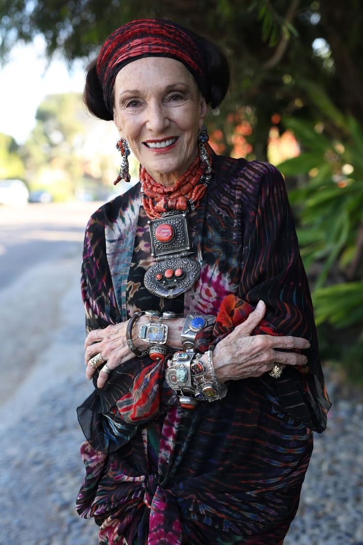 """Never Do When You Can Overdo."" Barbara Chapman Advanced Style"