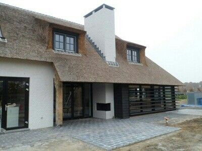 32 best images about huis on pinterest bobs ramen and white shutters - Landscaping modern huis ...