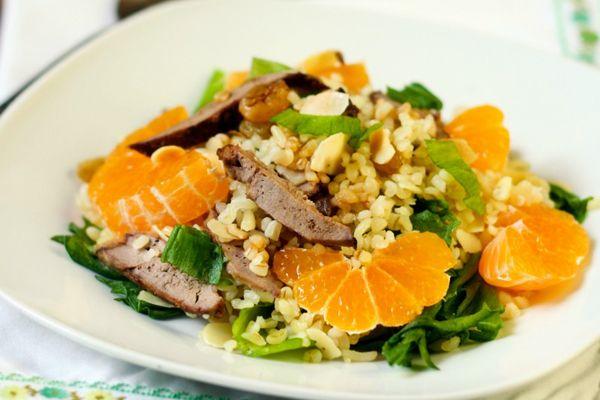 Салат из булгура с печенью и мандаринами | Любимые рецепты
