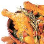 Een heerlijk recept: Stoofschotel met kippenbouten wortel en peultjes