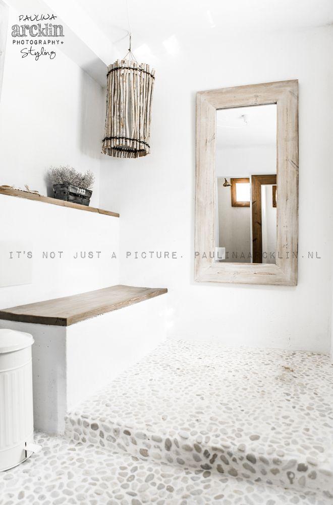© Paulina Arcklin   MALLORCA VILLA   Interior Design Carde Reimerdes Shelf and seat in wood tile